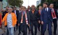 GALATASARAY BAŞKANı - Dursun Özbek, Taraftarlarla Stada Gitti