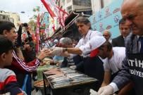 TARİHİ YARIMADA - Fatih'te Vatandaşlar Balığa Doydu