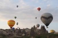 KAPADOKYA - Kapadokya'da Balonlar Yeniden Havalandı