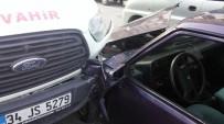 MİNİBÜS ŞOFÖRÜ - Direksiyon Başında Uyuyan Minibüs Şoförü Trafiği Birbirine Kattı