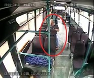 GENÇ KIZ - Otobüste Unutulan Telefonu Şoföre Teslim Etmek Yerine Cebine Attı