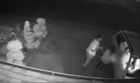 AMERIKA BIRLEŞIK DEVLETLERI - Silahlı saldırgan kadını böyle gasp etti