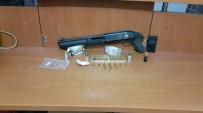 POMPALI TÜFEK - Şüpheli Araçtan Uyuşturucu Ve Silah Çıktı