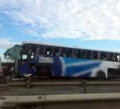 TRAFIK KAZASı - TEM'de otobüs devrildi