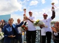 BALIK TUTMAK - Galata Köprüsü'nde Balık Tutuma Yarışması