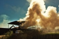 GERİ DÖNÜŞÜM - Geri Dönüşüm Merkezinde Hurdalar Alev Aldı