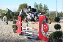 BELEDİYE BAŞKANLIĞI - Nilüfer Belediye Başkanlığı Kupası'nı Mert Alıcıoğlu Kazandı
