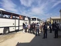 POMPALI TÜFEK - Sakaryaspor Ve Eskişehirspor Taraftarı Birbirine Girdi Açıklaması 7 Yaralı