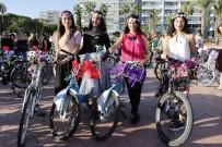 ŞEHİR İÇİ - 'Süslü Kadınlar' Bisikletleriyle Renkli Görüntüler Oluşturdu