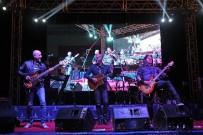 BOSTANLı - Yüksek Sadakat'ten Muhteşem Konser