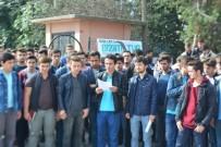 BASIN AÇIKLAMASI - Adapazarı Anadolu İmam-Hatip Lisesi Öğrencileri Okulları İçin Basın Açıklaması Yaptı