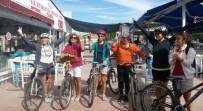 AYVALIK BELEDİYESİ - Ayvalıklı Kadınlardan Şortlu Bisiklet Turu