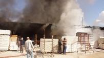 SANAYİ SİTESİ - Fabrika Deposundaki Yangın Korkuttu