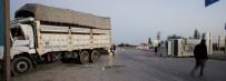 ULUDERBENT - İşçileri Taşıyan Minibüse Kamyon Çarptı Açıklaması 9'U Ağır 31 Yaralı