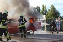 EĞİTİM MERKEZİ - İtfaiyeden Gerçeği Aratmayan Kaza Ve Yangın Tatbikatı