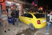 DİREKSİYON - Kaldırıma Çıkan Ticari Araç Yayaları Ezdi Açıklaması 6 Yaralı