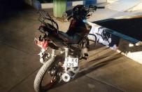 DİREKSİYON - Motosiklet Devrildi Açıklaması 2 Yaralı
