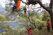 MEDİKAL KURTARMA - Paraşütçünün Hayatını Ağaç Kurtardı