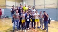MUSTAFA ÖZDEMIR - Salihli'nin 'Demir Yumrukları' İzmir'den Madalyalarla Döndü