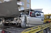 DİREKSİYON - Sorgun'da İki Ayrı Trafik Kazasında 4 Kişi Yaralandı