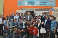 KIRTASİYE MALZEMESİ - AK Parti İstanbul Teşkilatından Diyarbakır'da 10 Bin Öğrenciye Kırtasiye Yardımı