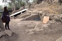 KAMULAŞTIRMA - Edremit'te Antik Kentin Dükkanları Gün Yüzüne Çıkartıldı