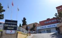 TıP FAKÜLTESI - Ordu'da Tıp Fakültesi Hastanesi'nde Asansör Bozulunca Hastalar Sedyelerle Merdivenlerden Çıkarıldı