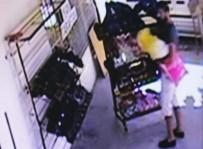 HIRSIZLIK ZANLISI - Peluş Ayılı Hırsız 30 Saniyede 4 Çift Ayakkabı Çaldı