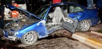 DİREKSİYON - Refüje Çıkan Otomobil Ağaçları Yerinden Söktü Açıklaması 3 Yaralı