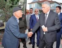 AFYONKARAHISAR - Vali Yıldırım Şehit Piyade Uzman Çavuş Mehmet Esen'in Mevlit Programına Katıldı