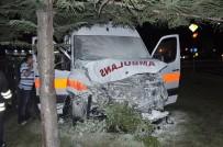 MİNİBÜS ŞOFÖRÜ - Antalya'da Hasta Taşıyan Ambulans Kaza Yaptı Açıklaması 7 Yaralı
