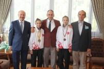 AVRUPA ŞAMPİYONU - Avrupa Ve Balkan Şampiyonu Öğrencilerden Aşım'a Ziyaret
