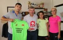 BADMINTON - Badminton Takımından Başkan Yaralı'ya Teşekkür Ziyareti