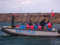 SAHİL GÜVENLİK - Denizde Mahsur Kalan Sporcular Kurtarıldı