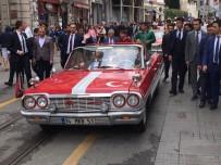 KLASİK OTOMOBİL - İstiklal Caddesi Rengarenk Klasik Araçlarla Doldu