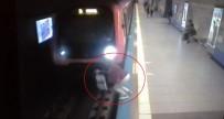 İNTIHAR - Durağa yanaşan metronun önüne atlayarak intihar etti