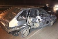 POLİS - Öndeki Araç Takla Attı, Arkadaki Otomobiller Birbirine Girdi Açıklaması 2 Yaralı