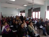 REKTÖR - Özer Eczacılık Fakültesi Öğrencileriyle Bir Araya Geldi