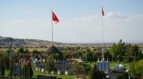 BAŞ ÇAVUŞ - Şehitler Anıtını 9 Günde 10 Bin Kişi Ziyaret Etti