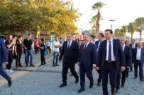KAMULAŞTIRMA - Ulaştırma Bakanı Arslan, İzmir Valiliğini Ziyaret Etti