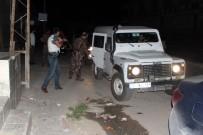 SES BOMBASI - Uygulama Noktasına Ses Bombası Atıldı, Polis Operasyon Başlattı