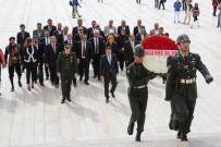 HACI BAYRAM - Ankaralılar Derneği, Anıtkabir'i Ziyaret Etti