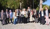 HATIRA FOTOĞRAFI - İncirliovalı Yaşlılar Tarihe Yolculuk Yapıyor