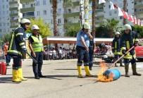 KIRTASİYE MALZEMESİ - Mersin İtfaiyesinden Öğrencilere Yangın Tatbikatı