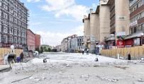 ÇAYKARA CADDESİ - Erzurum'da Cumhuriyet Caddesi'ne İkinci Meydan