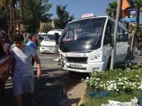 Milas'ta Şehir İçi Dolmuşuyla TIR Birbirine Girdi Açıklaması 1 Yaralı
