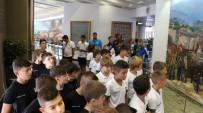 BERGAMA BELEDİYESPOR - Minik Futbolcular Çanakkale Şehitleri Anıtı'nı Gezdi