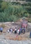 MUSTAFA KARACA - Mut'ta Taktak Motoru Uçuruma Yuvarlandı Açıklaması 6 Yaralı