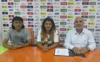 KULÜP BAŞKANI - Burası Kız Futbolcular Yetiştirecek
