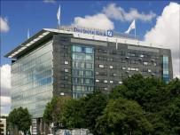 FRANKFURT - Deutsch Bank'ın Hisselerinde Tarihi Düşüş